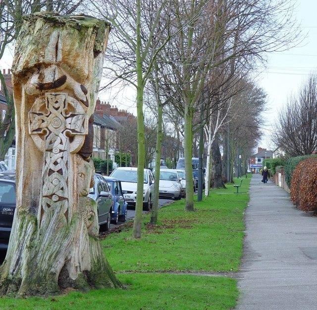 Tree sculpture in Marlborough Avenue, Hull