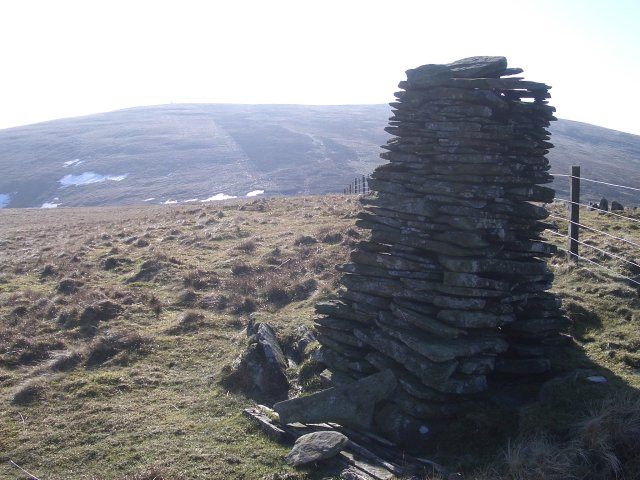 Cairn, Trowgrain Middle