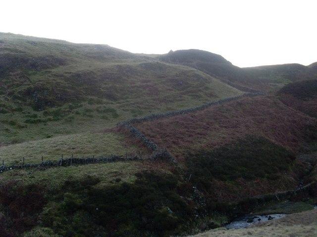 Stone wall by Loch Humphrey Burn