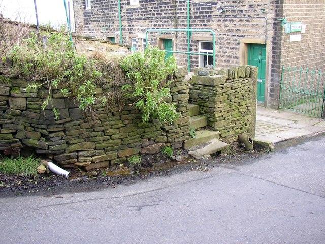 Water pipes, Steele Lane, Barkisland