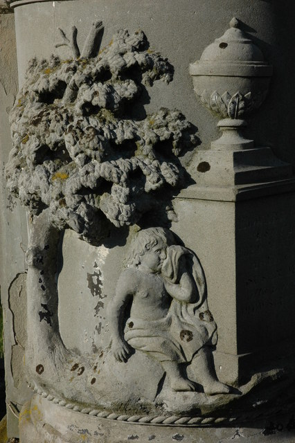 Tomb in Arlingham churchyard