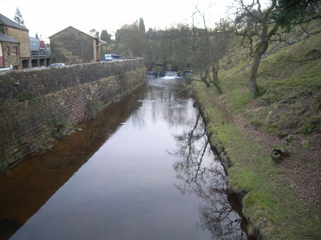Looking upstream from bridge to railway station