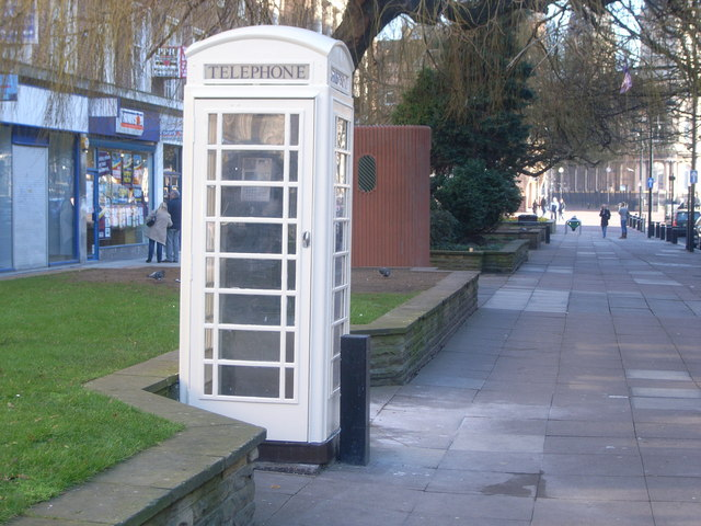 Kingston phone box in Paragon Street