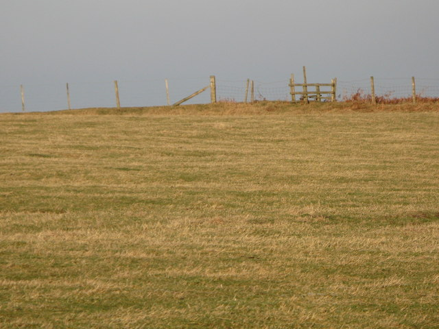 Footpath across pasture near Low Acton
