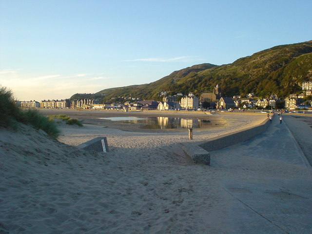 The town from Ynys y Brawd