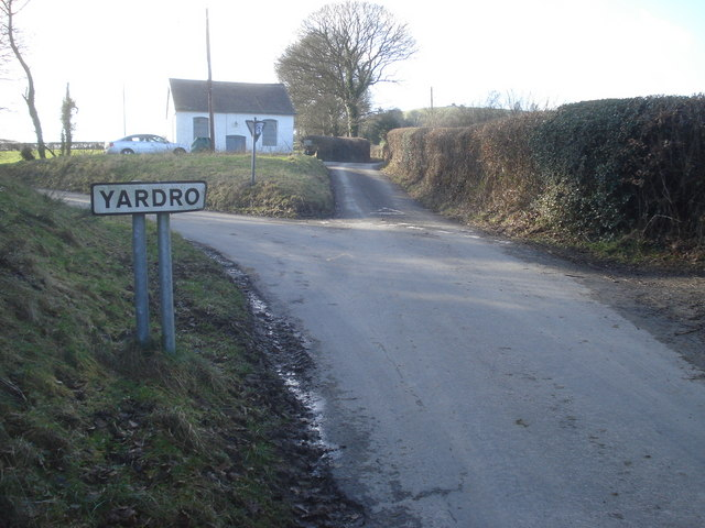 Rather bent village sign at Yardro