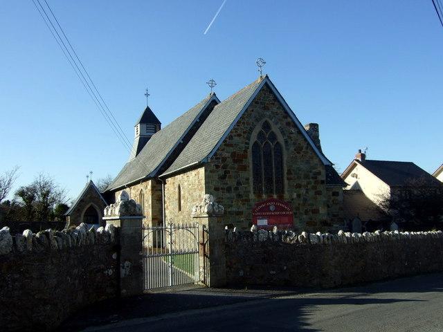 Eglwys Sant Brynach,  Dinas