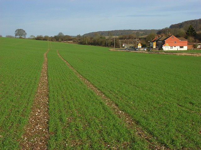 Farmland and houses, West Wycombe