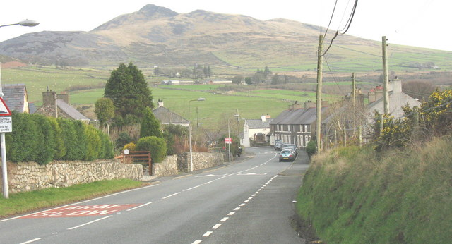 The B4417 on the western outskirts of Llanaelhaearn