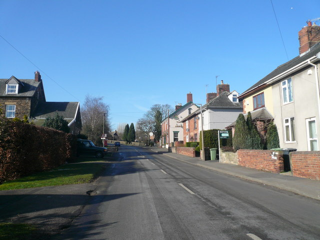 Cutthorpe - Approaching 'The Three Merry Lads' Pub