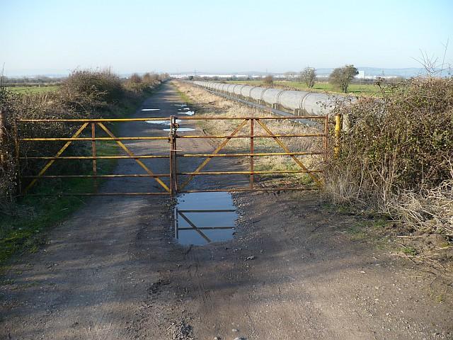 Track & British Steel pipeline, Caldicot Level