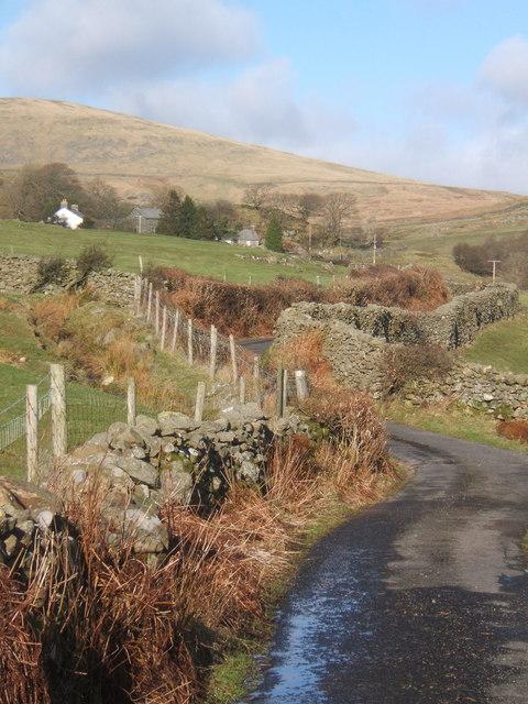 Little lane rising towards Hole House