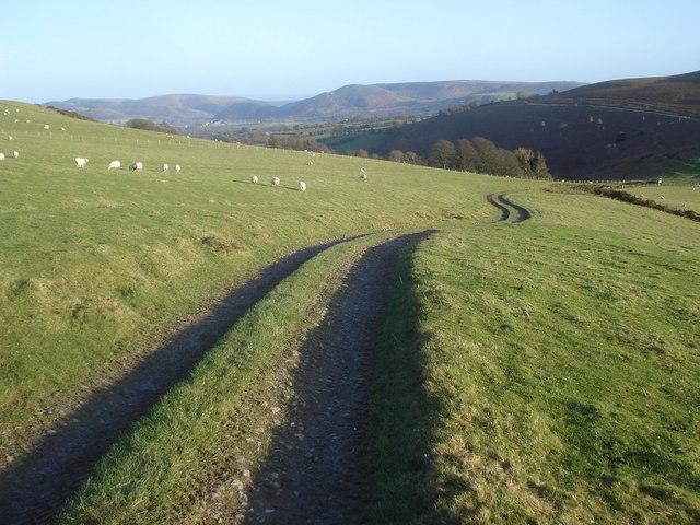 Farm track to Cwm Gwalley