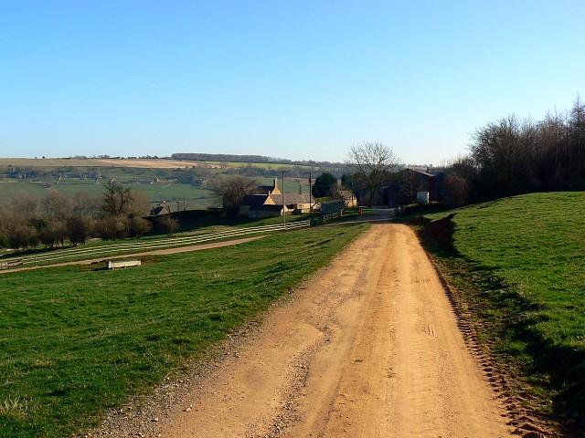 Farm track to Little Farmcote, near Winchcombe