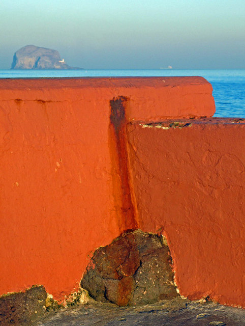 Harbour wall, North Berwick