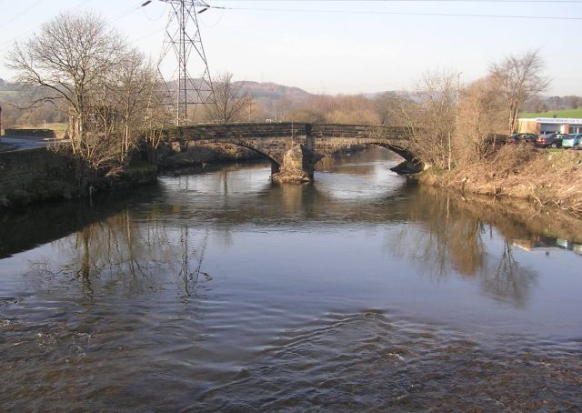 River Aire viewed from Apperley Bridge