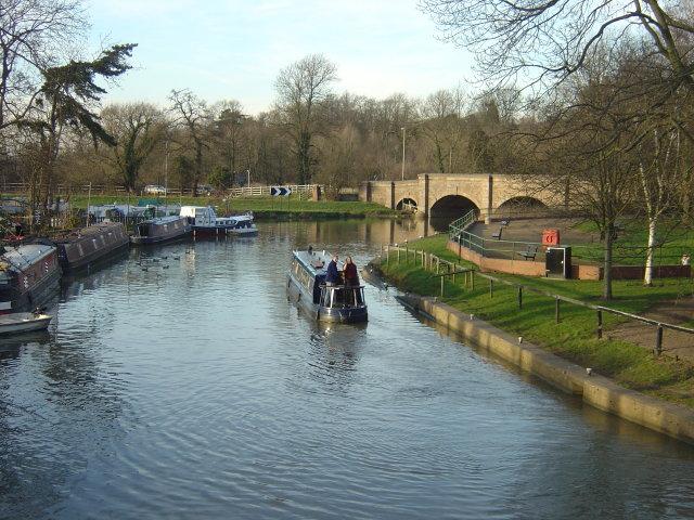 Below Barrow Lock