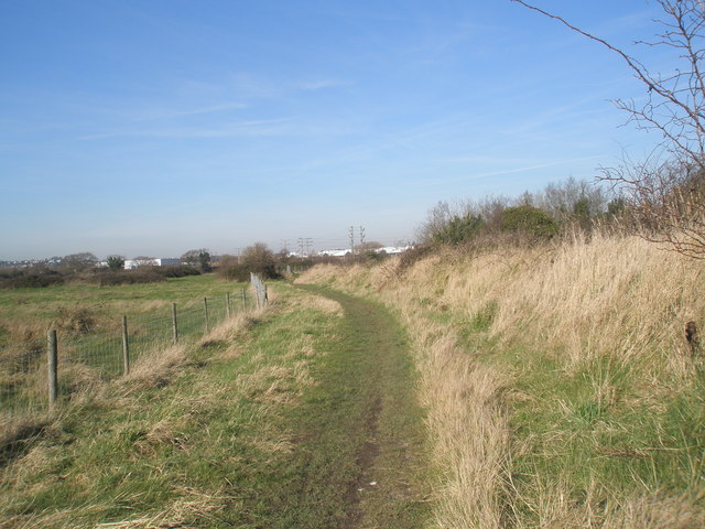 Footpath heading northwards towards industrial estates.