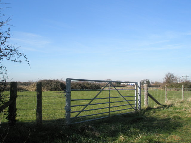 Gate entrance near Mill Lane