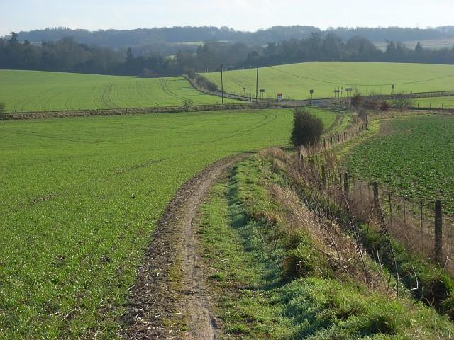 Bridleway, farmland and crossroads, South Stoke