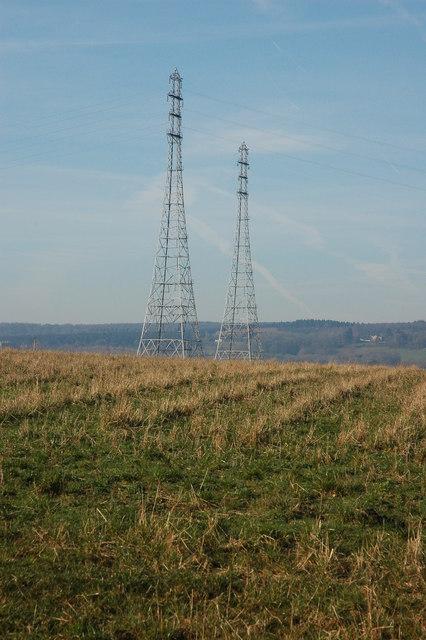 Pylons at Arlingham