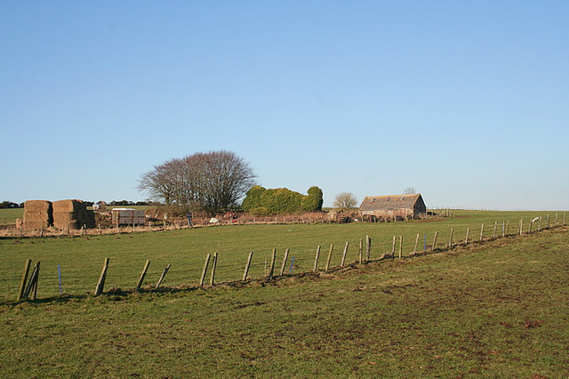 Ruined farm buildings near Ladyswell