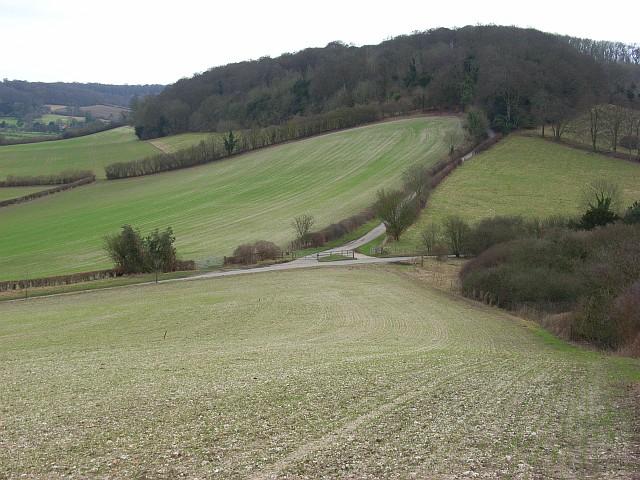 Hilly farmland, Saunderton