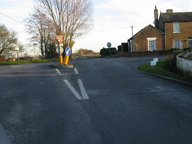 Crossroads on Drainless Road