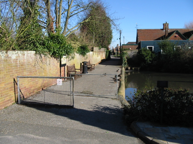 Footpath past Worth village pond