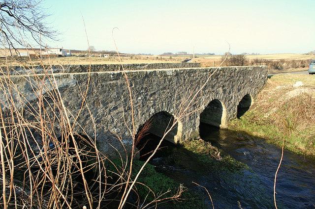 Road bridge south of Mill of Greens