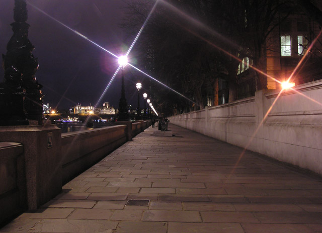 London: Thames Path at Lambeth (opposite the Palace of Westminster) 2005