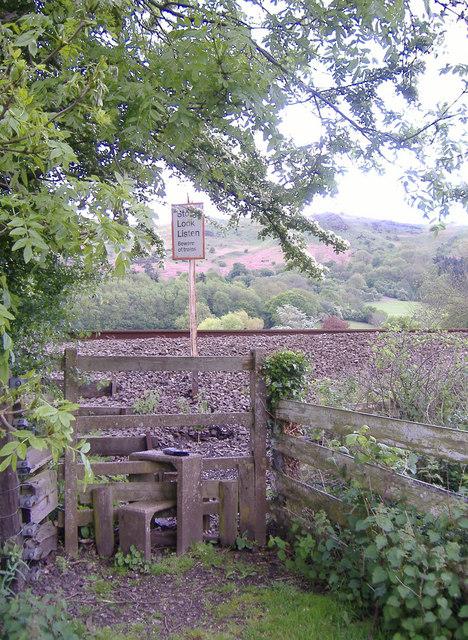 Stile/Railway Crossing nr. All Stretton.