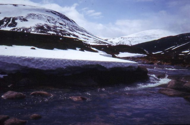 Snowbanks at Fords of Avon