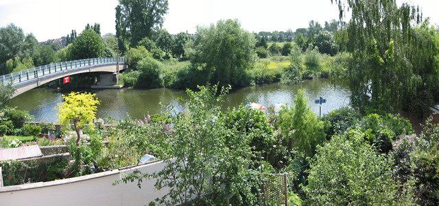 Foot bridge over the River Severn