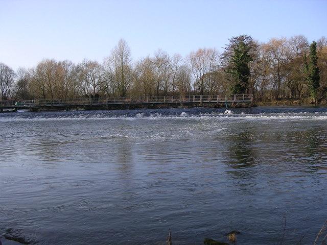 Weir on the River Avon, Offenham Park