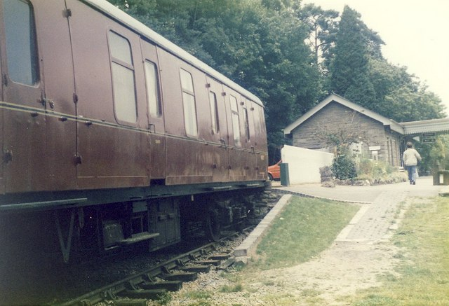 Gangwayed Brakevan in Bay Platform.
