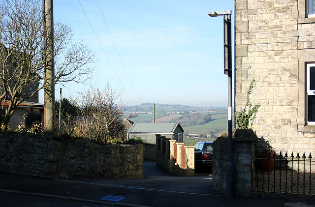 2008 : Between the houses at Peasedown