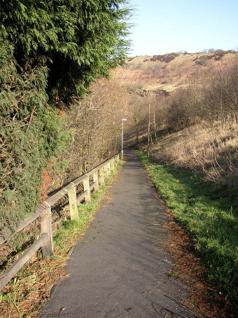 Path from new to old road, Elland