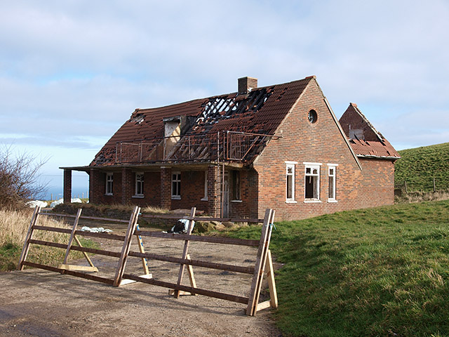 Ruined house, Goldsborough Lane