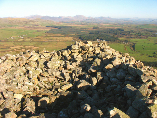Atop the Carnguwch cairn looking due East