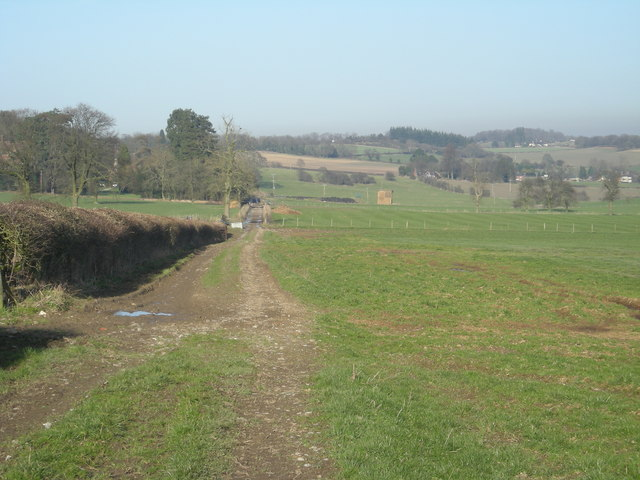 'The Shropshire Way' as it passes Lutwyche Hall
