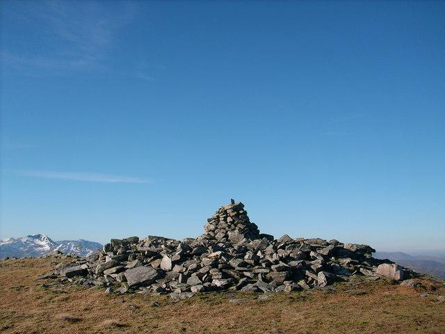 Beinn Mhic Mhonaidh summit cairn