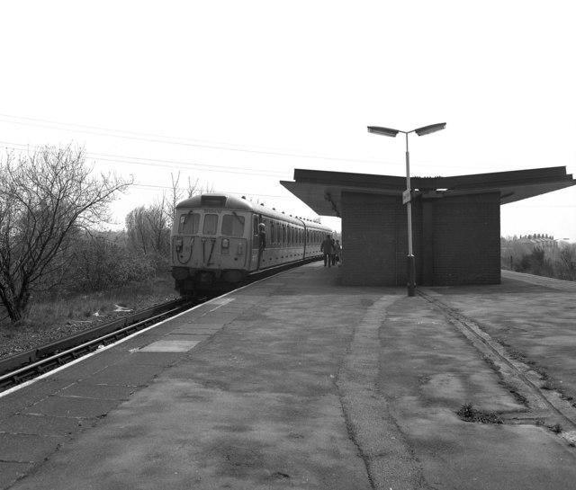 Besses o' th' Barn station