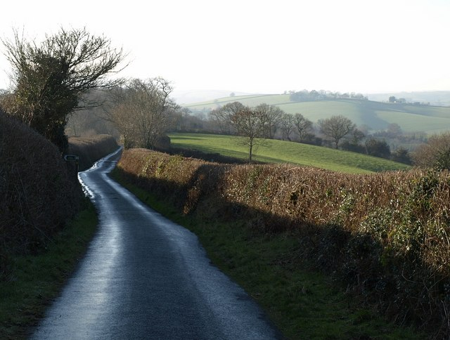 Lane to Leigh Cross