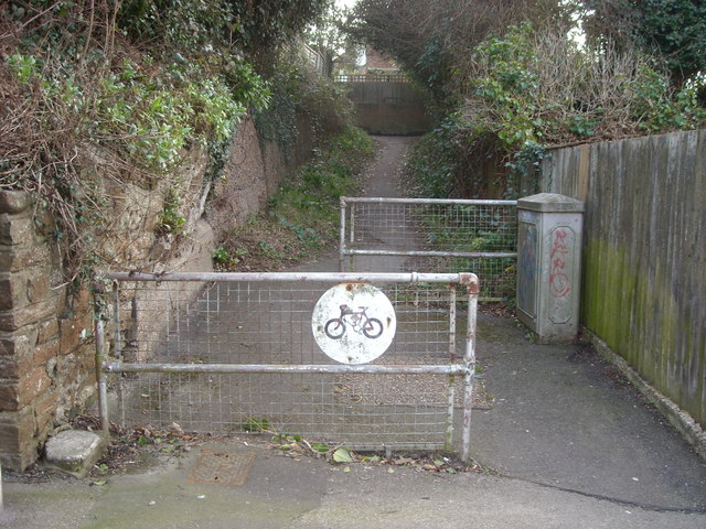 Footpath to Millfield Rise, Bexhill-on-Sea