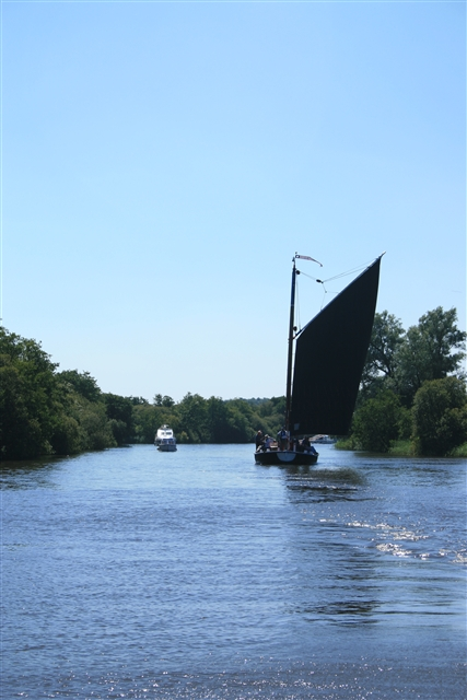 Trading Wherry Albion on the Bure