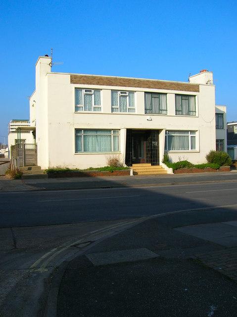 Doveleys Court, Riverside Road