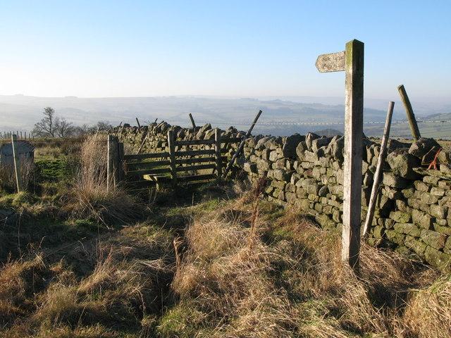 Public footpath to Housty