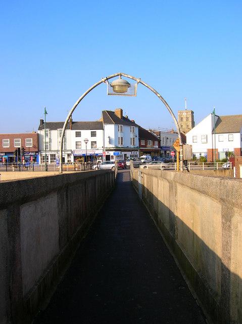 Entering Shoreham via the Footbridge