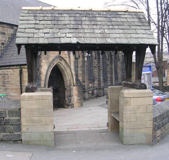 War Memorial Gateway - Holy Trinity Church - Upper Road, Batley Carr